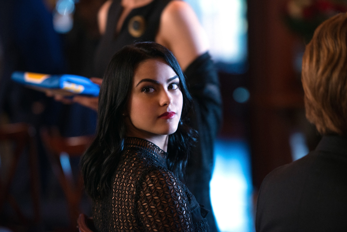 """Riverdale -- """"Chapter Five: Heart of Darkness"""" -- Image Number: RVD105b_0263.jpg -- Pictured: Camila Mendes as Veronica Lodge -- Photo: Diyah Pera /The CW -- © 2017 The CW Network. All Rights Reserved"""